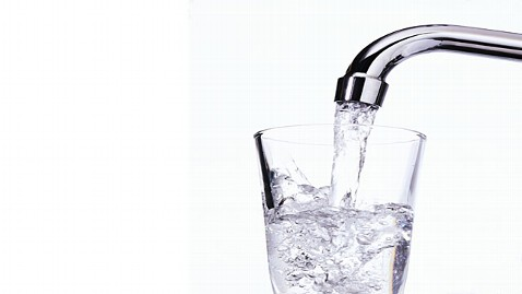 USA Cuts Fluoride Level In Tap Water